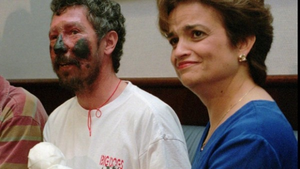 "Seaborne Beck Weathers and his wife Margaret ""Peach"" Weathers soon after his rescue."